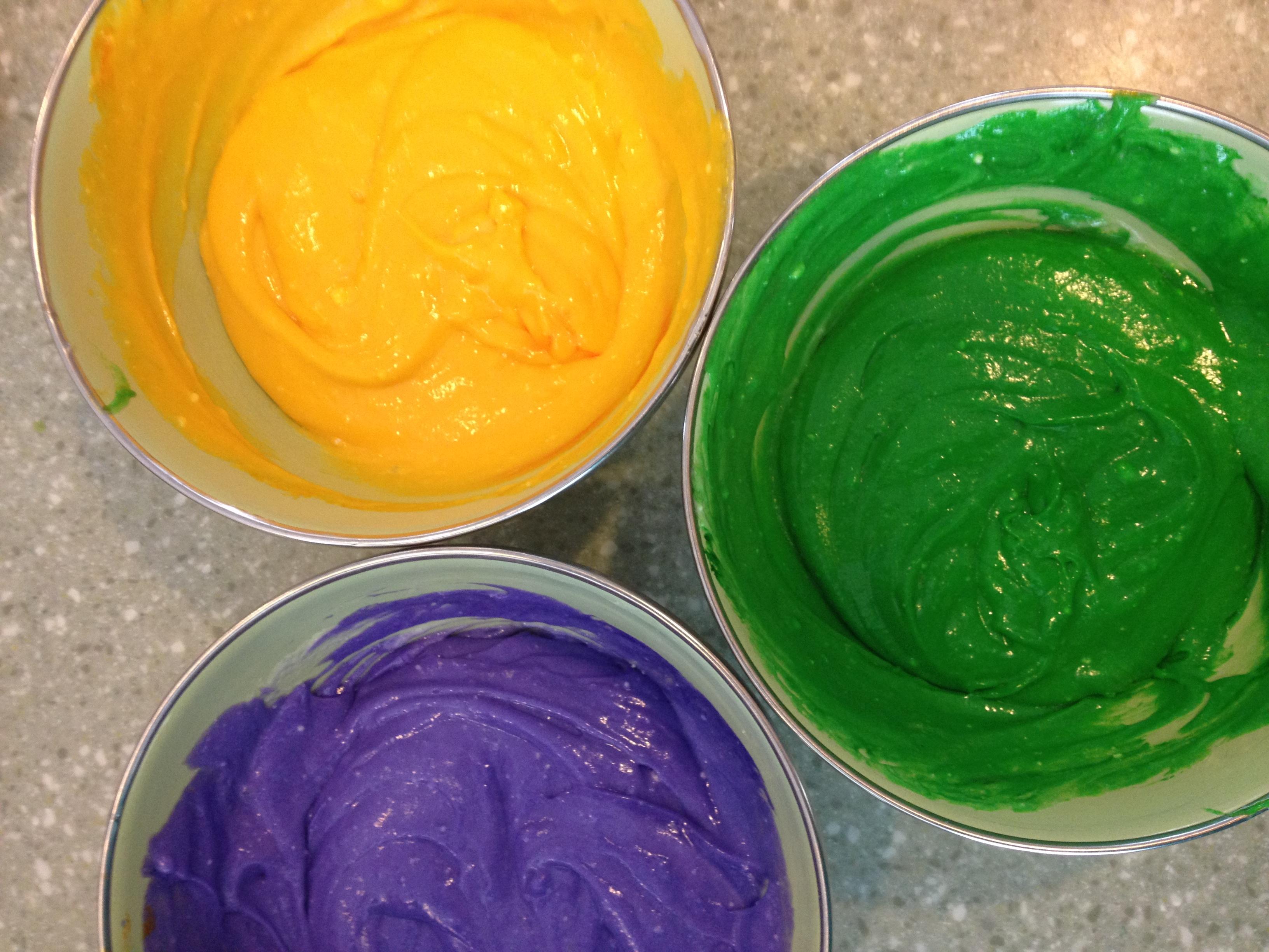 Mardi Gras Cupcakes | four sweetie pies